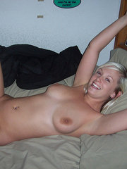 girlfriend naked in front of friends porn pics